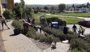Gartentag rund um das Betreuungsgebäude